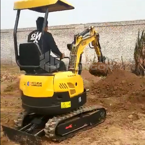 【客户反馈】18型小型挖掘机施工现场